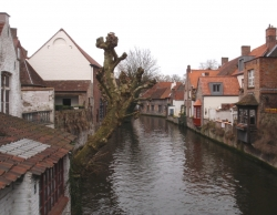 Z powodu obfitości kanałów w historycznej części miasta nazywane jest flamandzką Wenecją foto: Piotr Kowalski