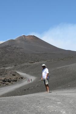 Na wulkan można się dostać kilkoma sposobami: kolejką, samochodem lub na pieszo | Charter.pl foto: Kasia Koj