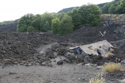 Dom zniszczony przez lawę na zboczach Etny | Charter.pl foto: Piotr Kowalski