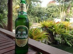 Nie samym ryżem człowiek żyje :) Najlepsze w Tajlandii to piwo Chang | Charter.pl foto: Kasia Koj
