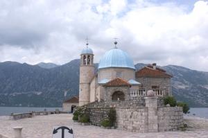 Wyspa Matki Boskiej na Skale, Czarnogóra foto: Benek