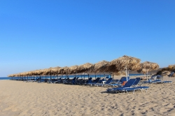 Piaszczyste plaże Simos Beach