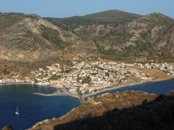 Monemvasia widok z góry zamkowej na  miasteczko