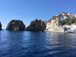Ponza, ukochana wyspa Rzymian. Już wiemy dlaczego :) | Charter.pl foto: Piotr Kowalski