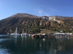 Czas na zmianę wyspy, płyniemy na Vulcano | Charter.pl foto: Piotr Kowalski