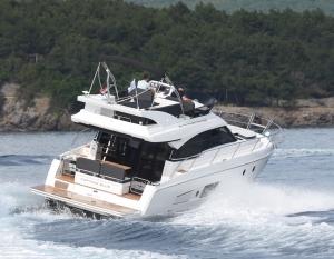 Jacht motorowy Bavaria 420 Virtess | Charter.pl foto: www.yachting2000.at