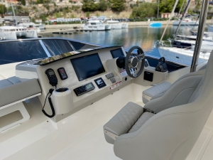 Jacht Absolute 47 Fly | Charter.pl foto: www.yachting2000.at