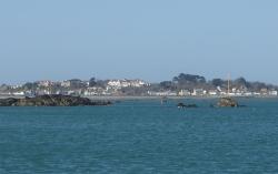 Port St.Peter na wyspie Guernsey widziany od strony morza foto: Katarzyna Kowalska