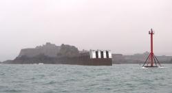 Z mgły wyłania się wyspa Jersey foto: Katarzyna Kowalska