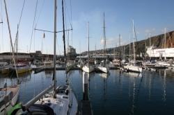 Nowa, dobrze wyposażona marina Santa Cruz de La Palma foto: Piotr Kowalski
