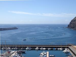 Widok z góry na tor podejściowy do mariny San Sebastian   Charter.pl foto: Kasia Kowalska