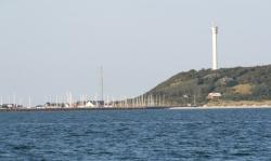 Marina Anholt wyłania się z morza - Charter.pl foto: Piotr Kowalski