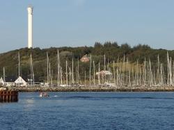Ukazuje się nam dość spory port jachtowy na wyspie Anholt - Charter.pl foto: Katarzyna Kowalska