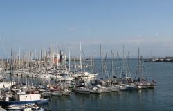 Port Katania w całej okazałości | Charter.pl foto: Piotr Kowalski