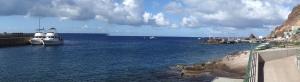 Do portu jachty nie są wpuszczane – niewielkie nabrzeże jest zarezerwowane dla statków zaopatrzenia oraz lokalnych rybaków i baz  nurkowych   Charter.pl foto: Kasia Koj