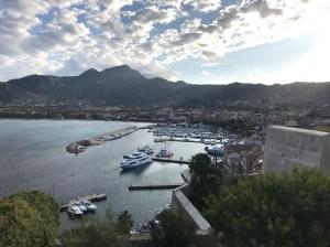 Korsyka, Port of Calvi   Charter.pl foto: Marcin Krukierek