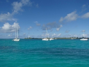 Anegada to najbardziej zewnętrzna z wysp archipelagu w kierunku północnym i jedyna wyspa koralowa | Charter.pl foto: Kasia & Peter