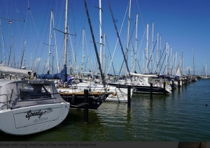 Marina Lelystad   Charter.p foto: www.pitter-yachting.com