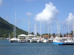 Marina Rodney Bay jest dość spora, ale poza jedną imprezą nie jest trudno tutaj znaleźć wolne miejsce postojowe  foto: Kasia Koj