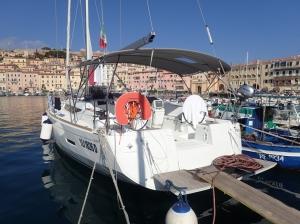 Nabrzeża, portu Portoferraio na wyspie Elba   Charter.pl foto: Piotr Kowalski
