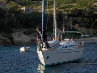 Mirek sprawdza swój jacht foto: Kasia