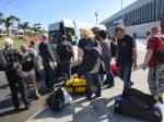 i pakowanie do busa, który odwiezie nas na lotnisko foto: Jarek Drozd