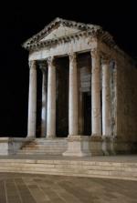 Pula, świątynia Augusta
