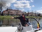 W drodze z Amsterdamu na pełne morze. Cóż za nonszalancja przy sterowaniu :)