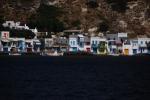 Mała wioska rybacka przed Milos
