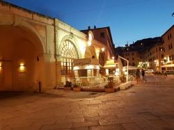 Elba wspaniale wygląda w dzień i w nocy :) foto: Adam Leszczyński
