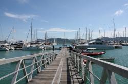 Marina Phuket, robi wrażenie. Nowa, ładna, z pełnym zapleczem | Charter.pl foto: Kasia Koj
