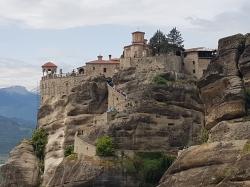 W drodze powrotnej odwiedzamy słynne greckie Metéoros | Charter.pl foto: załoga s/y George